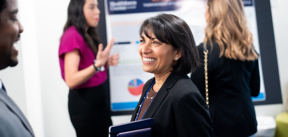 Dr. Sunita Mutha smiling.